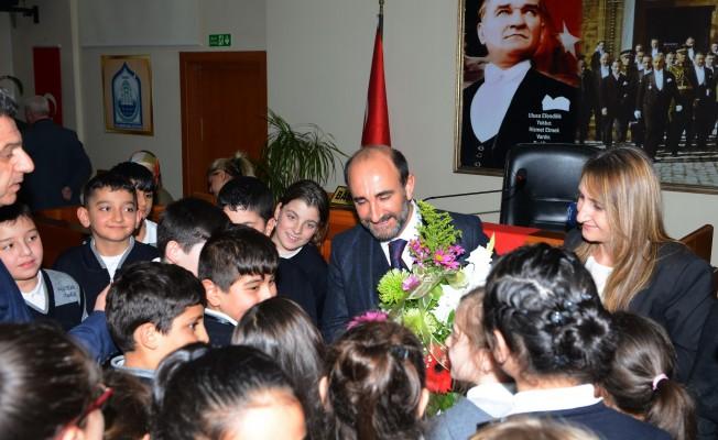 Minik öğrenciler meclise katıldı