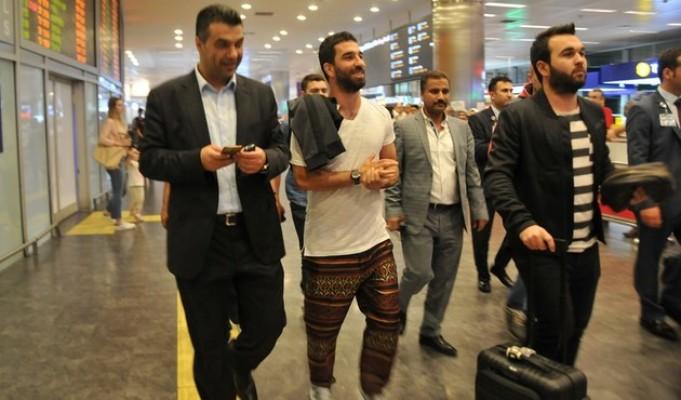 Arda Turan İstanbul'da! İşte ilk sözleri