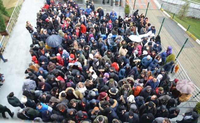 Bursa'da tatilciler teleferiğe akın etti
