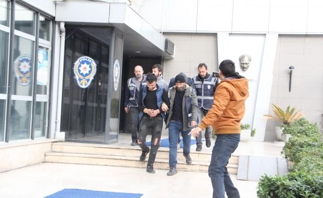 Bursa'da hırsızlar önce kameraya, sonra polise yakalandı