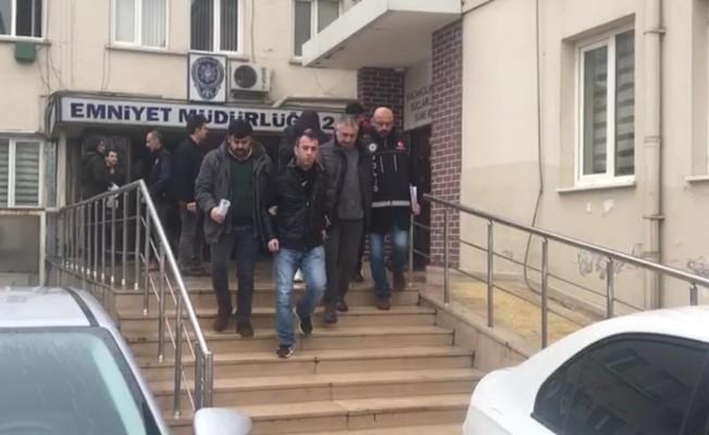 Bursa'da otobanda durdurulan araçtan çıkanlar şok etti