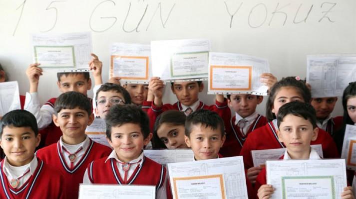 Milli Eğitim Bakanı Yılmaz'dan öğrencilere müjdeli haber