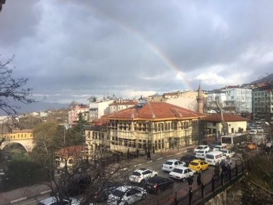 Bursa'da sevgililere gökkuşağı sürprizi