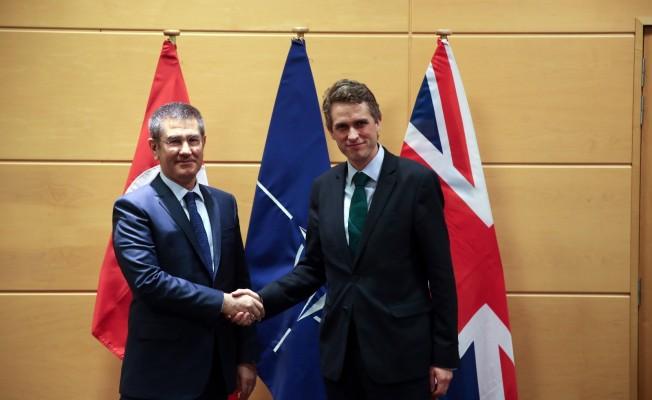 Canikli, NATO Genel Sekreteri ve İngiltere Savunma Bakanı ile görüştü