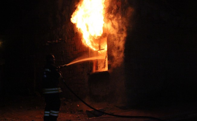 Kullanılmayan evde iki hafta içerisinde ikinci yangın