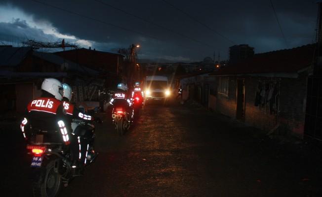 Osmangazi'de 13 farklı adrese eş zamanlı uyuşturucu operasyonu