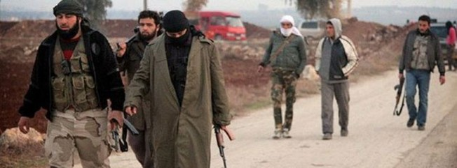 Suriyeli muhalifler 400 IŞİD'liyi esir aldı