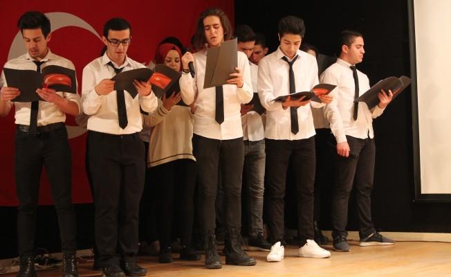 Bursalı öğrenciler, İstiklal Marşı'nın kabulünün yıl dönümünü kutladı