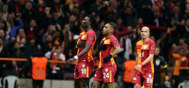 Galatasaray'ın yıldızına şok teklif!