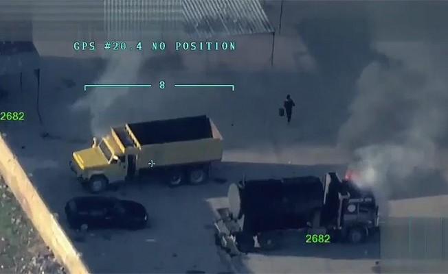 Teöristler Afrin merkezde araçları yakıyor