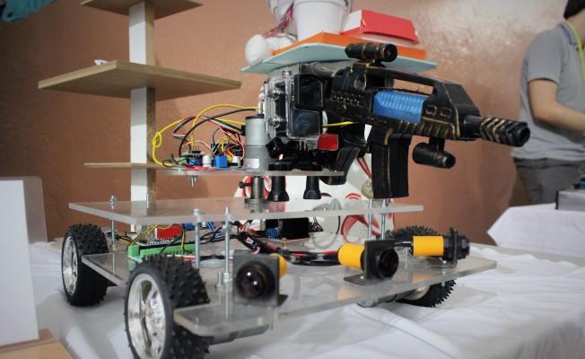 Bursalı öğrenciler askerler ölmesin diye robot üretti