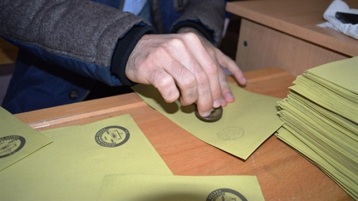 Seçimde görev alana 306 TL