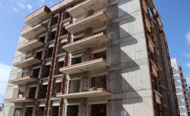 4'üncü kattan düşen inşaat işçisi öldü