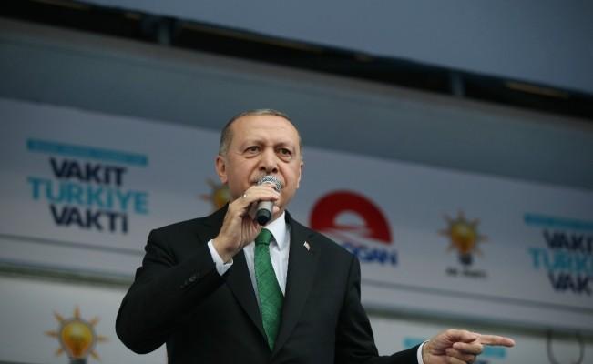 """Cumhurbaşkanı Erdoğan: """"Onlar laf üretir biz icraat üretiriz"""""""