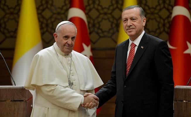 Erdoğan ile Papa arasında kritik görüşme!