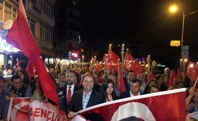 Maltepe'de coşkulu 19 Mayıs yürüyüşü