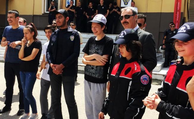 Osman Ak, engelli çocuklarla bir araya geldi