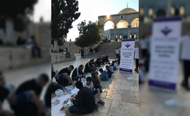 Türkiyeli STK'lar Mescid-i Aksa'da iftar verdi