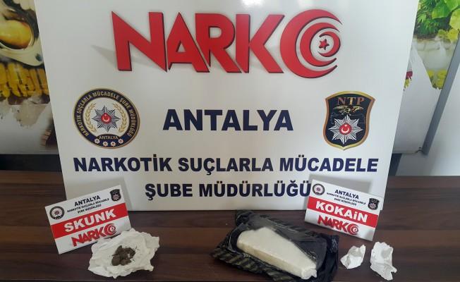 Uyuşturucu tacirlerine ağır darbe! 9 gözaltı