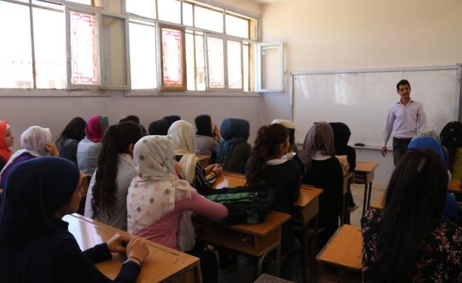 Afrin'de yeniden eğitim başladı