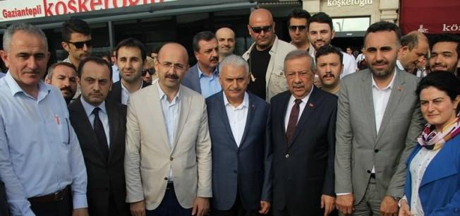 Başbakan Yıldırım'dan Bahçelievler'e ziyaret