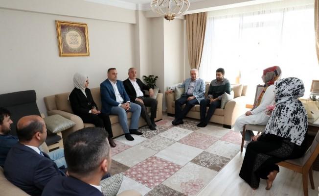 Başkan Uysal Eyüpsultan'da vatandaşlarla sohbet etti