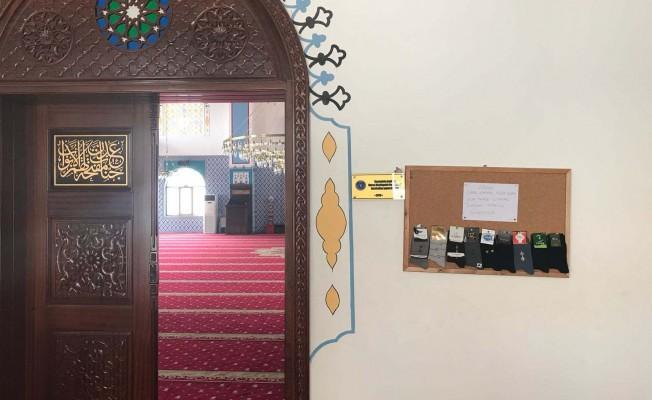 Bursa'da bu camiye kirli çorapla girilmiyor