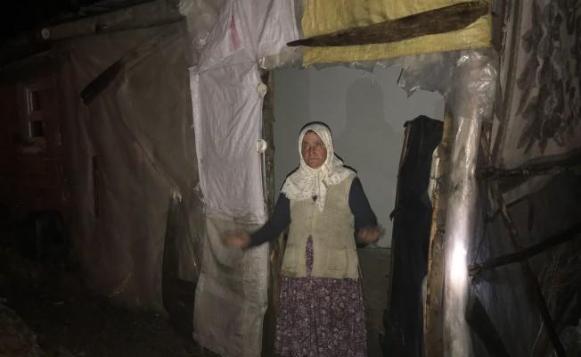 Bursa'da yalnız yaşayan kadının evine yıldırım düştü