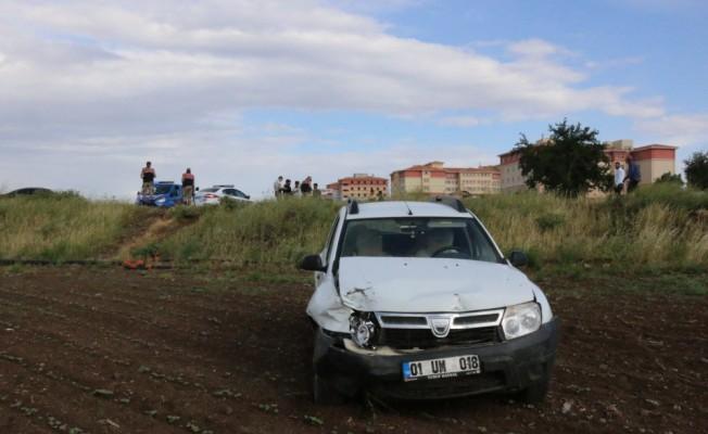 Küçük yaştaki sürücünün kullandığı otomobil kaza yaptı: 2 yaralı