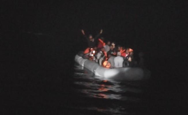 Kuşadası Körfezi'nde 38 kaçak göçmen yakalandı