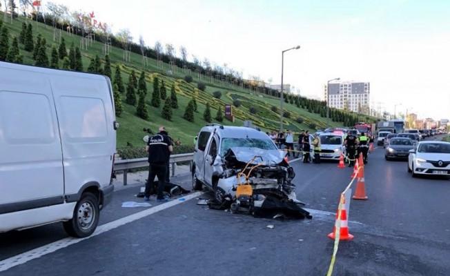 Ümraniye'de trafik kazası: 2 ölü, 5 yaralı