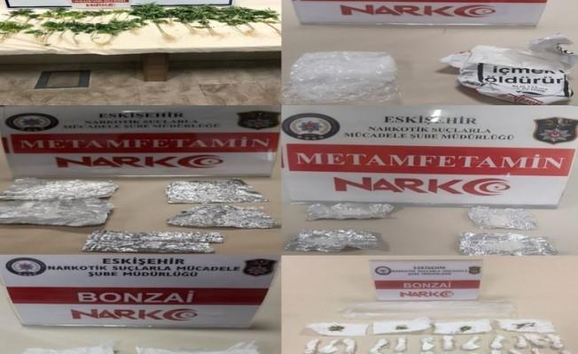 Uyuşturucu tacirlerine ağır darbe! 12 gözaltı