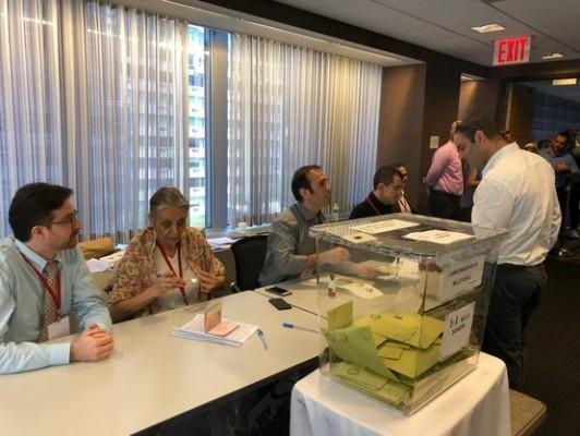 Yurt dışında oy sandıkları kapandı
