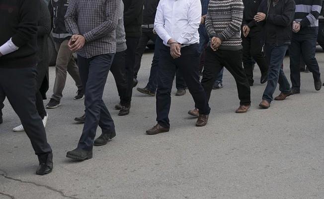 """FETÖ'ye yönelik """"ankesörlü telefon"""" soruşturmasında 132 tutuklama"""