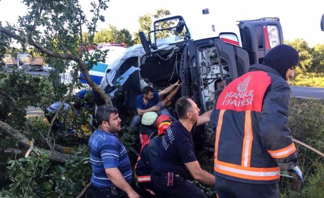Silivri'de beton mikseri devrildi: 1 ölü, 1 yaralı