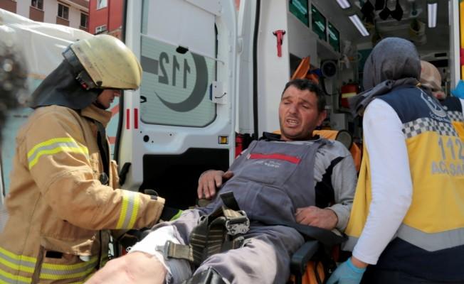 Vinçte ayağı sıkışan işçi kurtarıldı