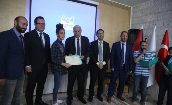 Yunus Emre Türk Kültür Merkezi'nin ilk Filistinli okçuları sertifikalarını aldı