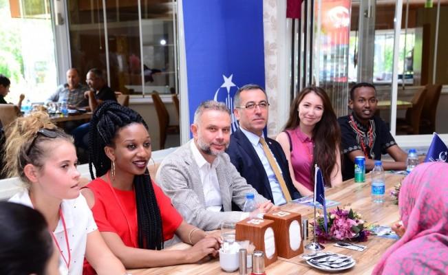 27 ülkeden üniversite öğrencileri Kahramankazan'ı ziyaret etti