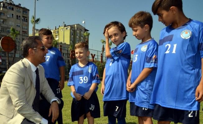 Akdeniz Süper Lig'e 1 oyuncu daha gönderdi