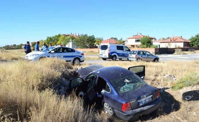 Aksaray'da otomobil şarampole devrildi: 6 yaralı