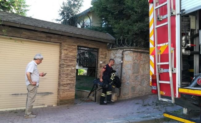 Alevlere teslim olan evde mahsur yaşlı adam hayatını kaybetti