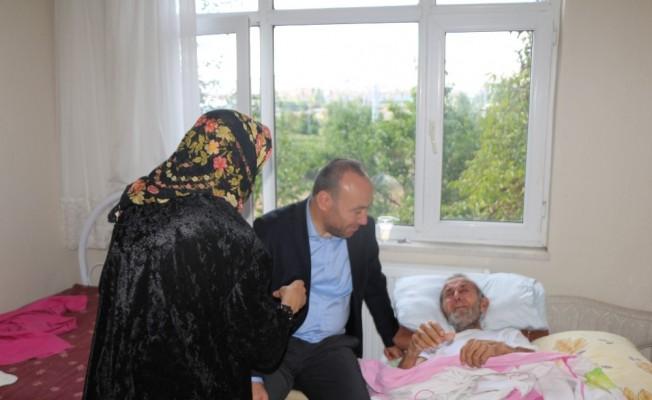 Başkan Dağdelen, kanser hastası yaşlı adamın isteğini yerine getirdi