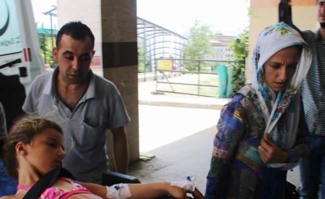 Bisikletten düşen çocuğun karnına fren kolu saplandı
