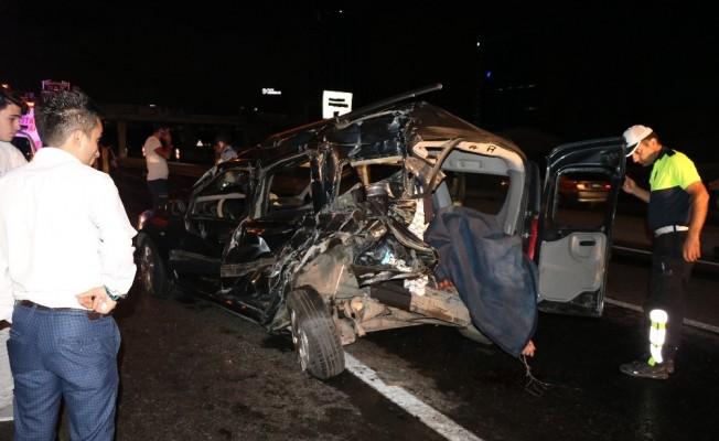 D-100 karayolunda feci kaza:1 ölü 2 yaralı