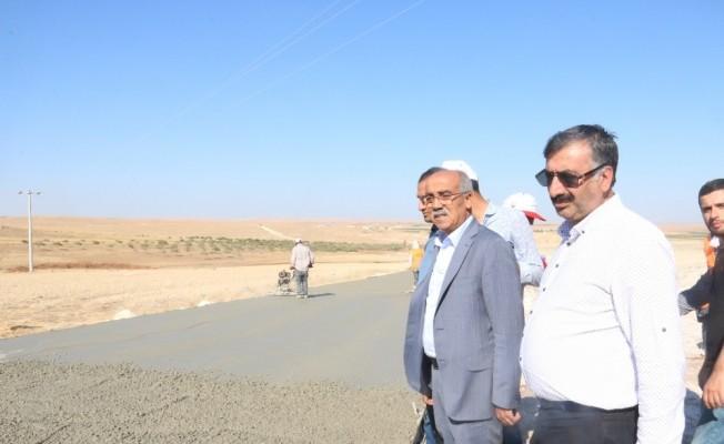 Genel Sekreter Abdülkadir Açar beton yol çalışmalarını inceledi