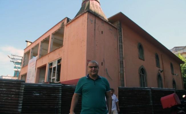 Giresun'da yeni cami yapımı için eski caminin yıkımı başladı