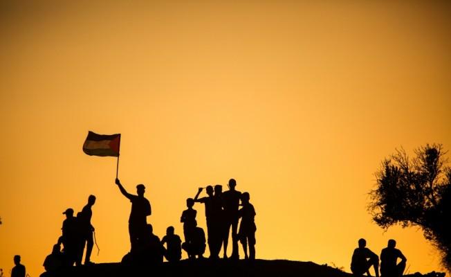 GÜNCELLEME 2 - İsrail Gazze sınırında biri sağlık görevlisi iki Filistinliyi şehit etti
