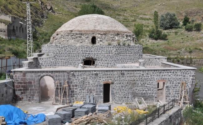 Kars'ta Osmanlıdan kalma iki hamamın restorasyonu sürüyor