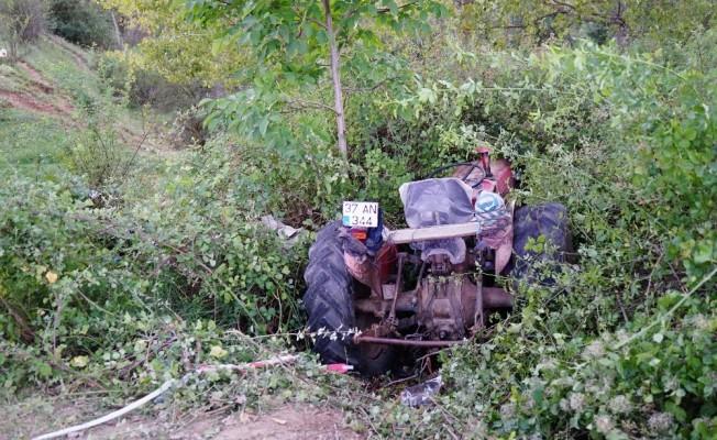 Kastamonu'da traktör ile otomobil çarpıştı: 1 ağır yaralı