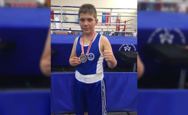 Kocaelili boksör, Bayburt'tan gümüş madalya ile döndü